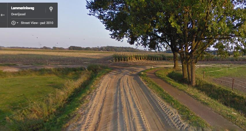 Droga na obrzeżach Enschede, Holandia. Źródło: Google Maps.