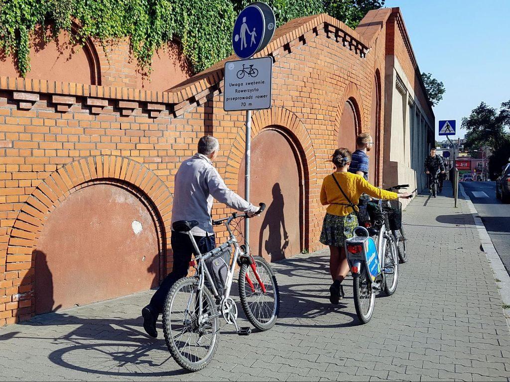 rowerzysto przeprowadź rower 70 metrów - ul. Kościuszki obok Starego Browaru